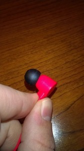 The Angled Earpiece of The Coloud Pop Headphones