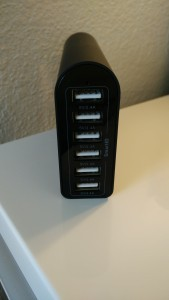 USB Ports of the iClever Charger