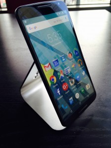 Nexus 6 Floats on the Kbtel Stand