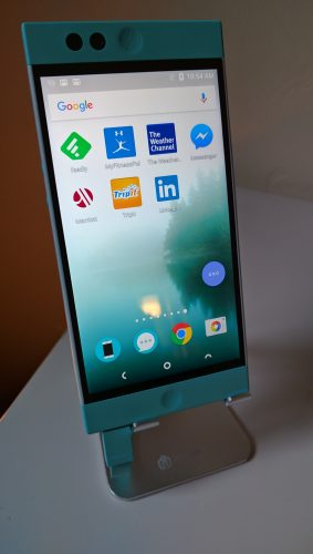 Nextbit Robin on the iClever Adjustable Stand