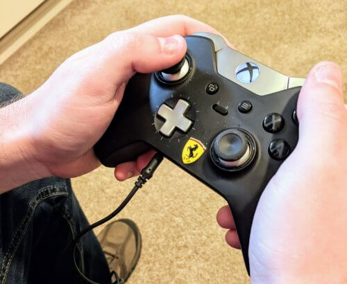 Using the 3.5mm port on the Xbox One Controller